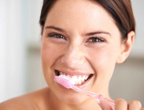 Milyen gyakran és mennyi ideig kell fogat mosni?